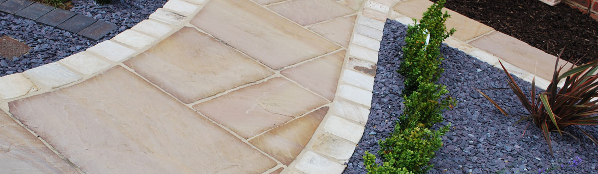 Cotswold walling, garden paths and paving from specialists CS Landscaping & Construction in Cheltenham, Gloucestershire
